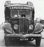La voiture de reportage de Radio-Cite.  Extrait d'un commentaire du reporter sportif  Robert Bre (1936).
