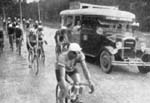 Les premiers reportages   du Tour de France a la radio.