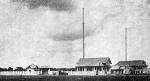 L?antenne de Radio-Saigon tendue   entre 2 pylônes de 50 metres.