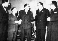 A la BBC en mai 1944,de gauche a droite:  Jean Oberle, Andre Gillois, Jean-Jacques Mayoux, Jean Marin, Maurice Schumann.